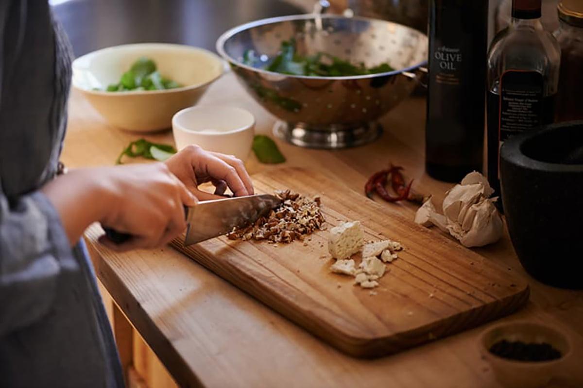 Idee e spunti per cucinare con la frutta secca in inverno