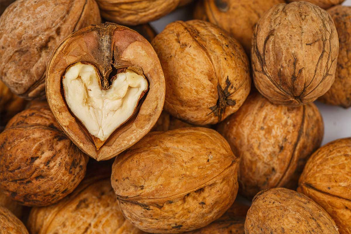 Frutta secca alleata del cuore: le tante virtù delle noci